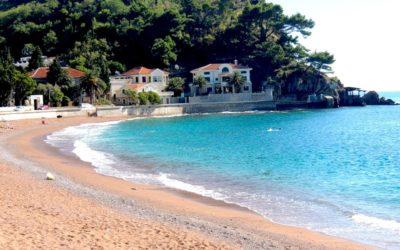 Пляж в Петровац