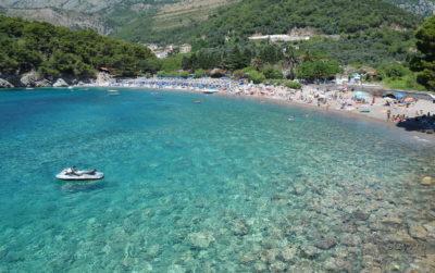 Пляжи в Петровац Черногория