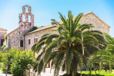 Церковь Святой Девы Марии в центре Старого города Будва, Черногория
