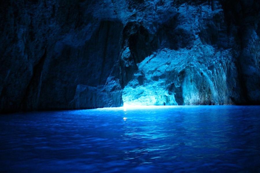 Голубая пещера «Плава Шпиля»