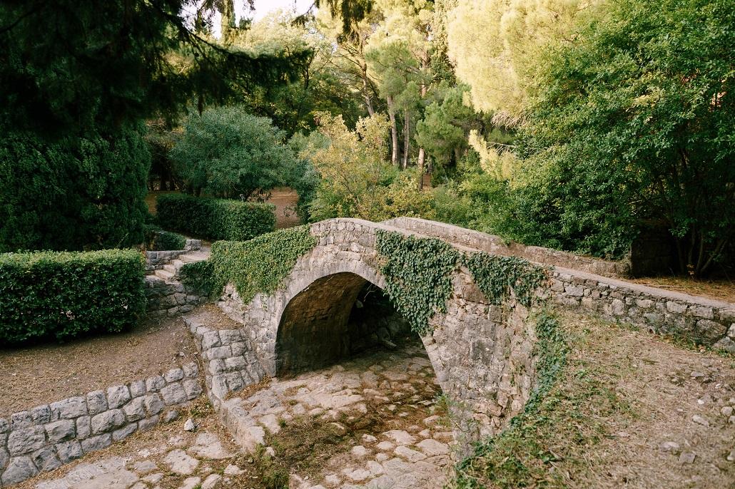 Каменный мост в Милочере