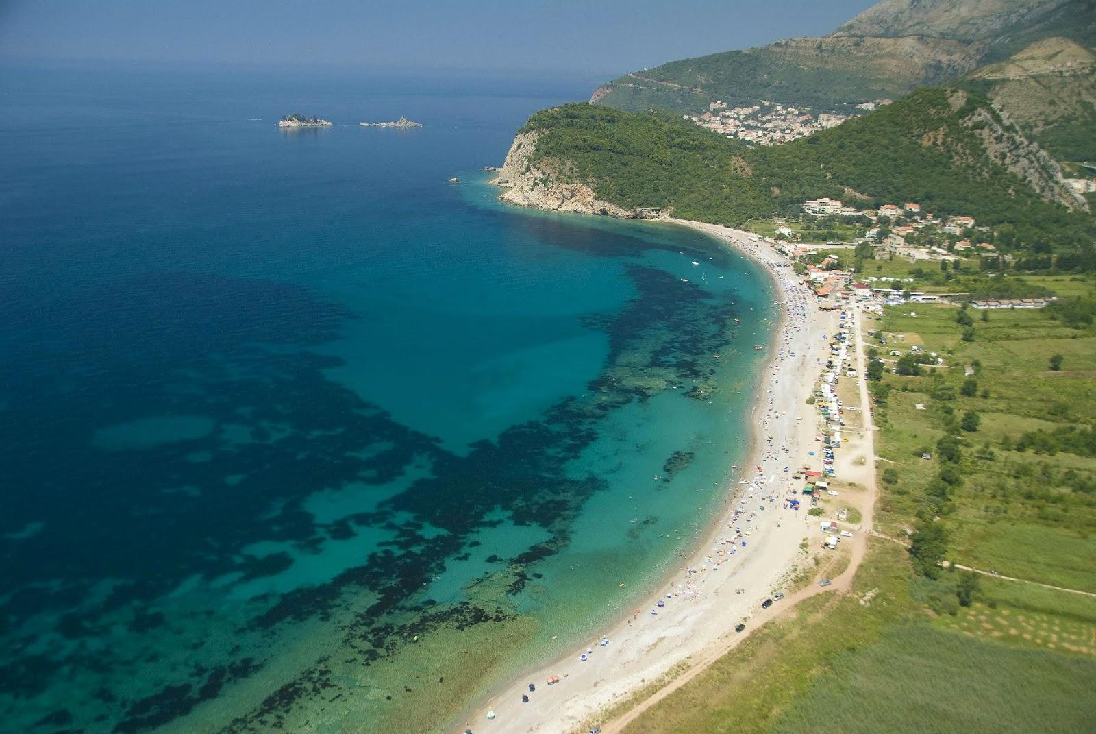 Пляж Булярица: отдых у Петроваца на Будванской ривьере