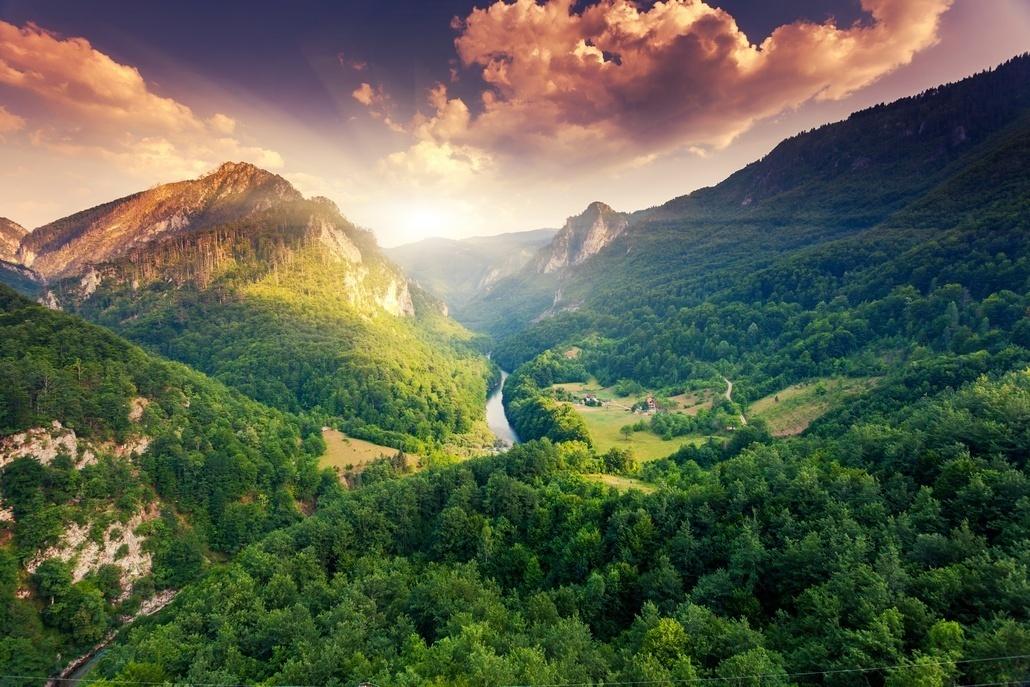 Рассвет на экскурсии каньон Тара Черногория