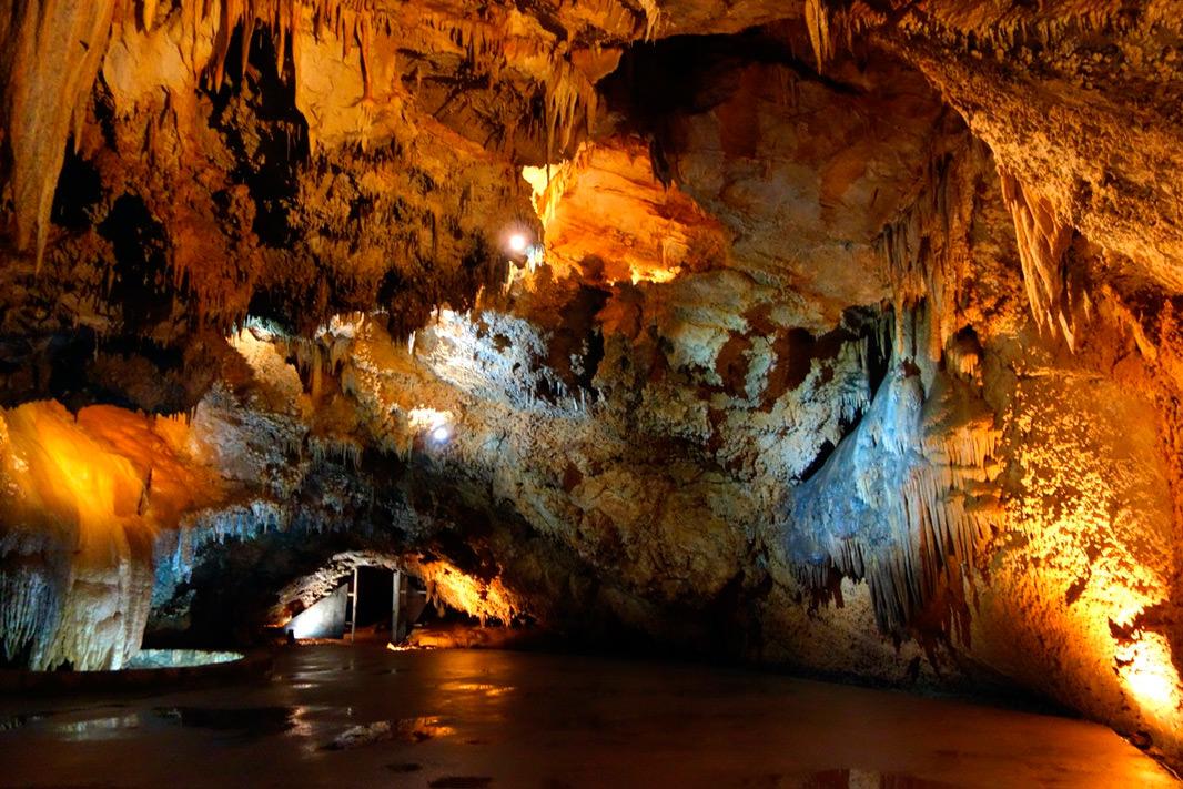 Пещера Липска