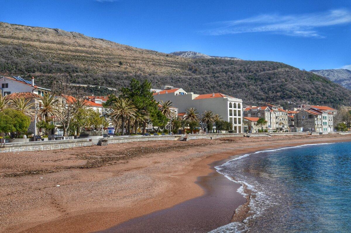 Петровац - общественный пляж
