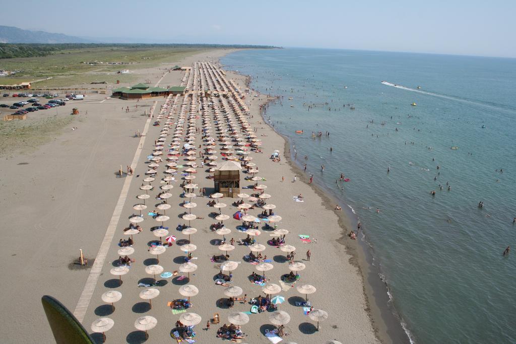 Пляж Копакабана - рай на Улциньской ривьере