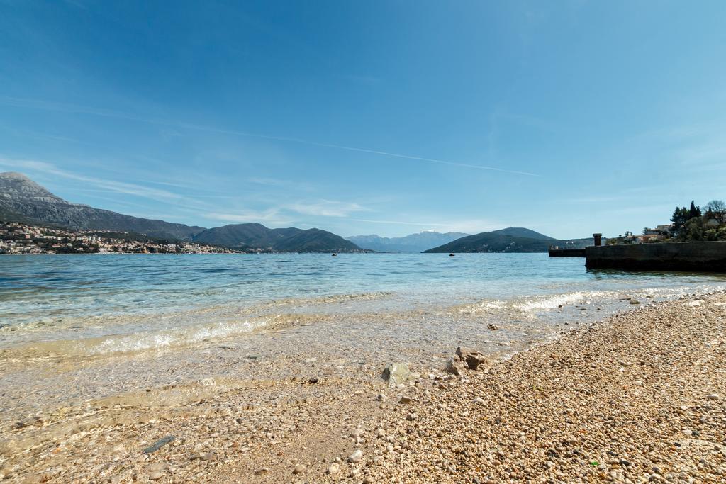 Пляж Нивице. Платный отдых на Херцег-Новской ривьере