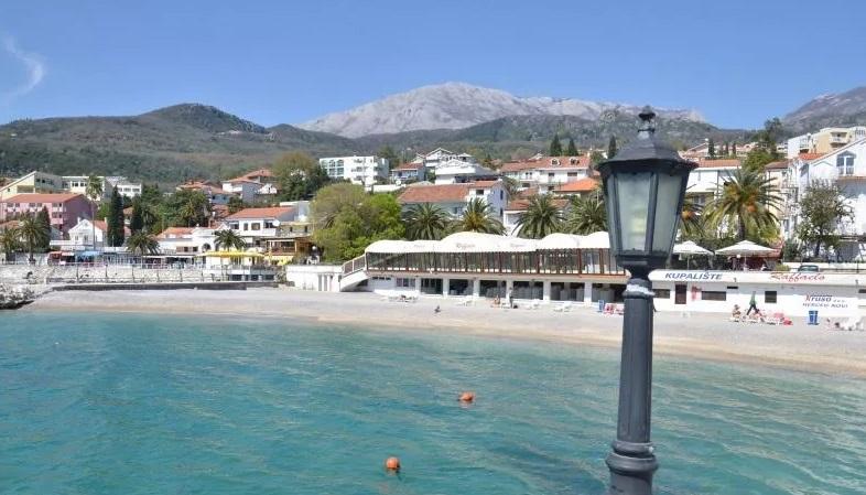 Пляж Рафаэло: на границе Игало и Херцег-Нови