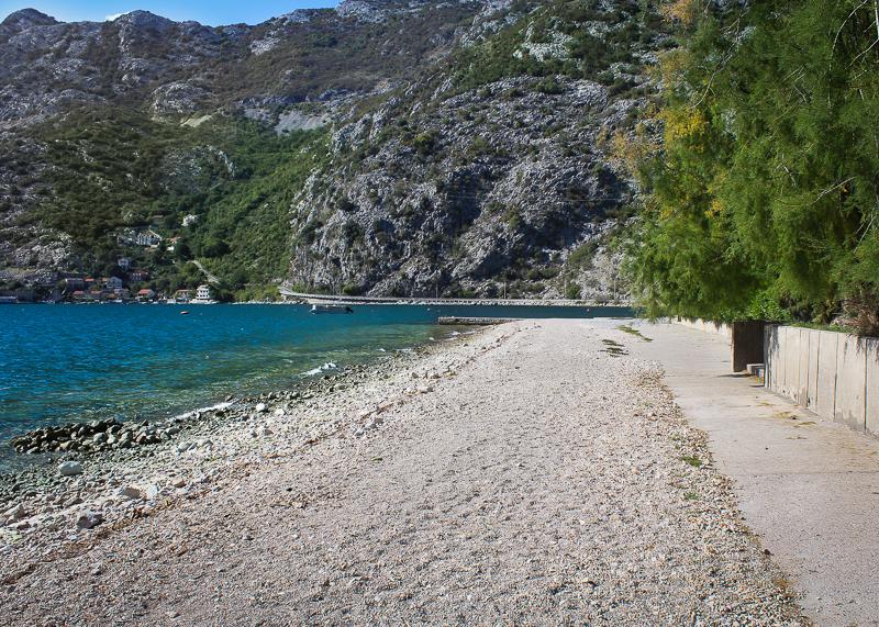 Пляж Рисан: комфортный отдых в Черногории