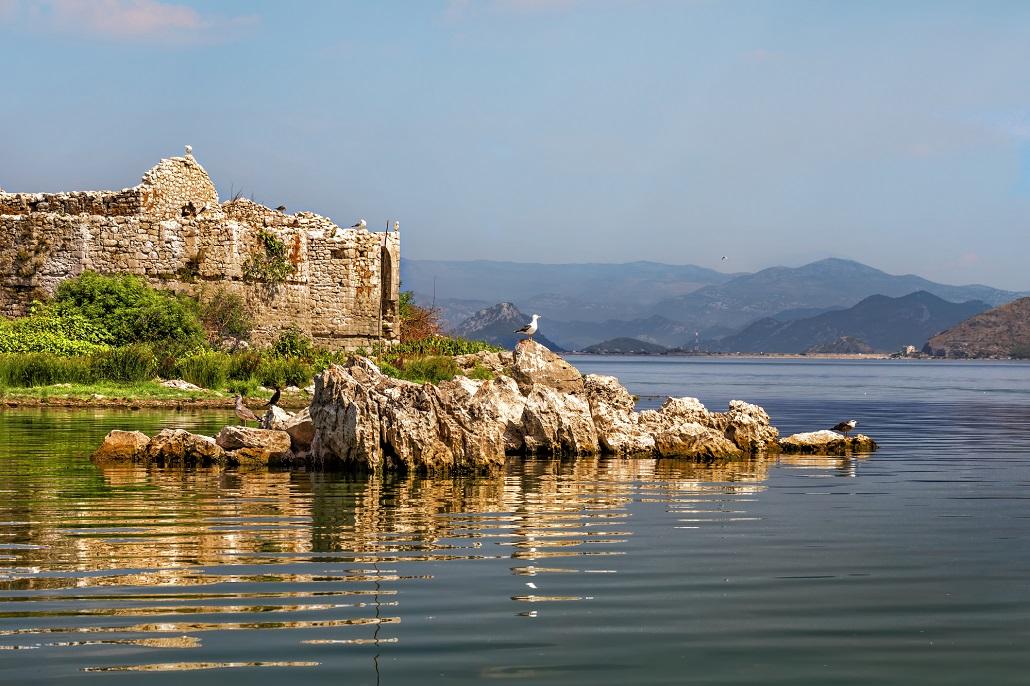 Крепость Грмозур Скадарское озеро