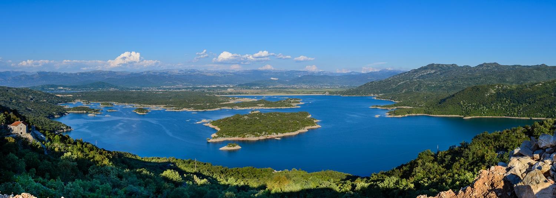 Панорама озера Сланское Черногория