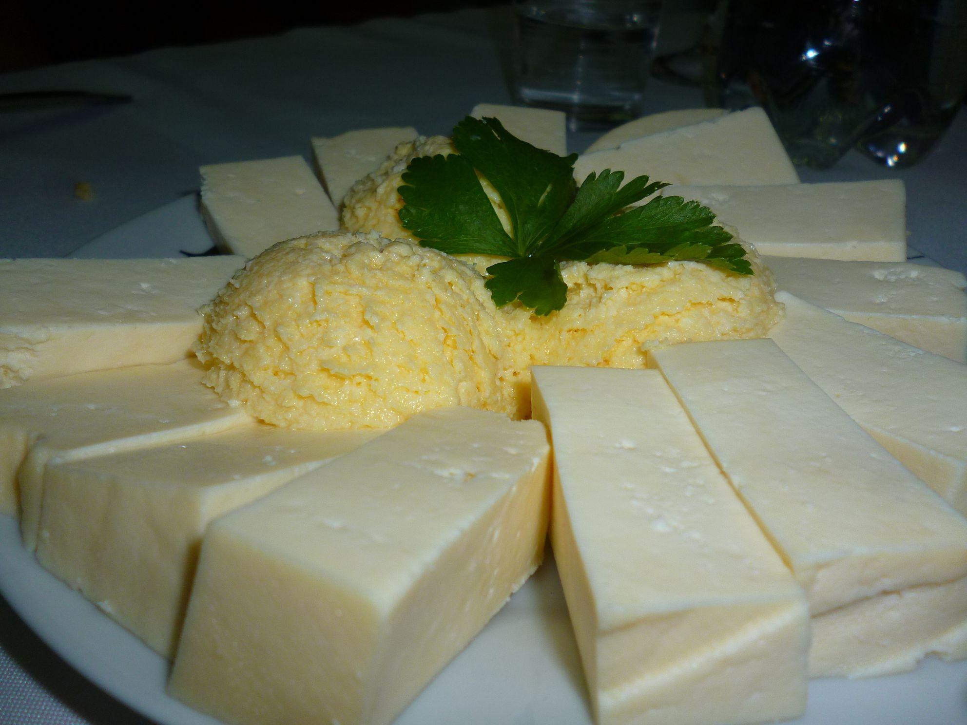 Сыр из Негуши и Каймак