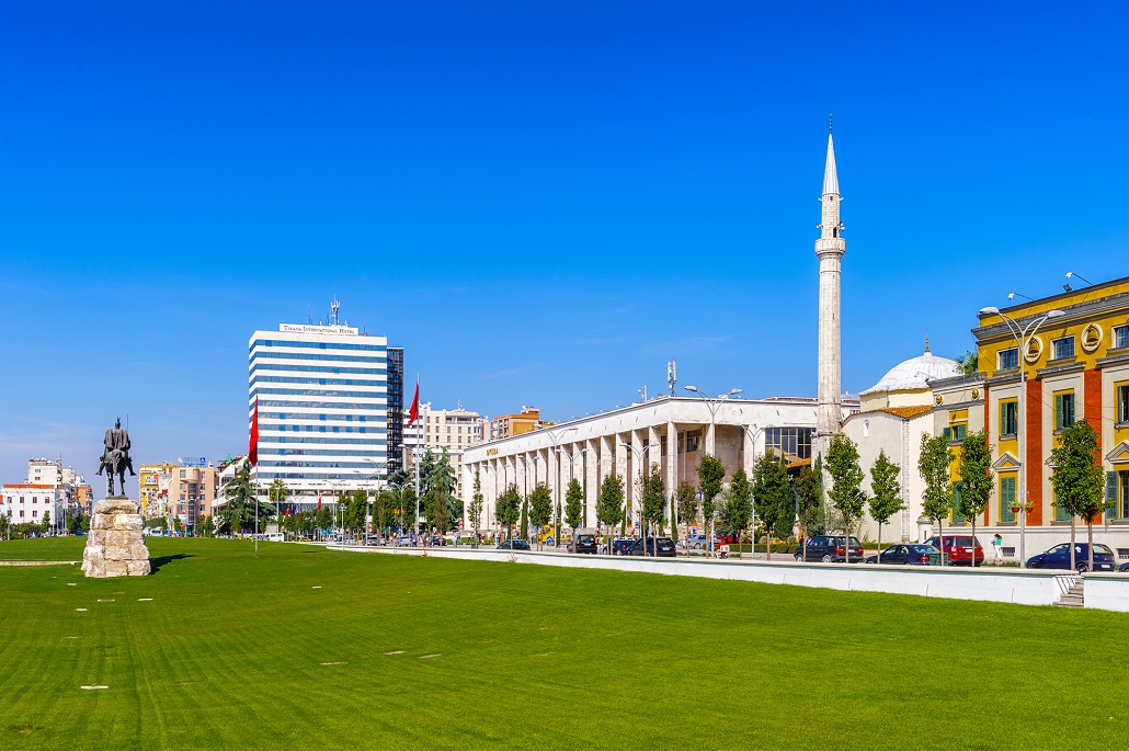Панорама в Тиране Албания