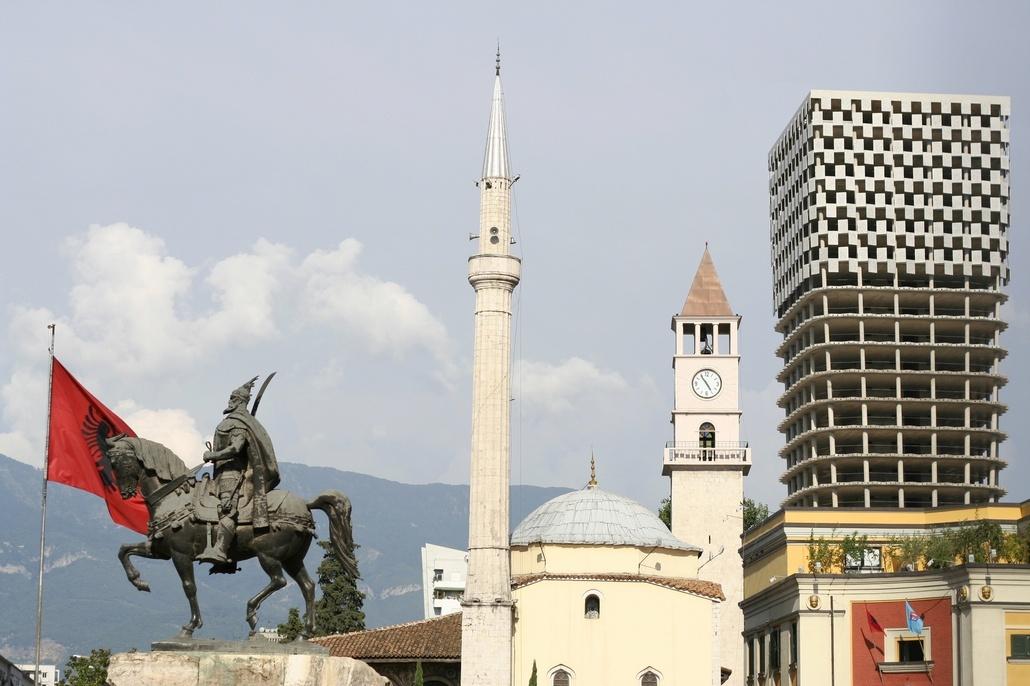 Тирана столица