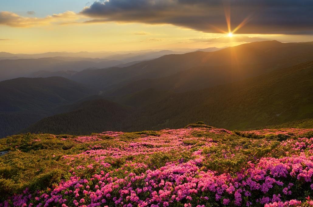 Закат в горах Черногории