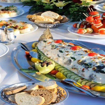 Организация фуршетов, обедов, ужинов для групп в Черногории